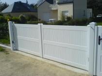Portail PVC motorisé battant ou coulissant avec ossature en aluminium sur Argenteuil Val d'Oise 95