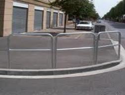 Pose de barrière urbaine pour les communes