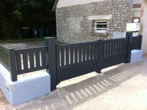 Pose d'un portail en aluminium semi-plein, couleur anthracite au golf Chaumont en Vexin OISE