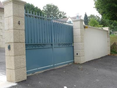 Portails en fer sp cialiste du portail et porte de garage Portail coulissant en fer