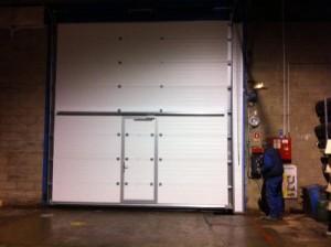 Installation d'une porte sectionnelle de marque SAFIR dans l'Oise 60 à Tricot